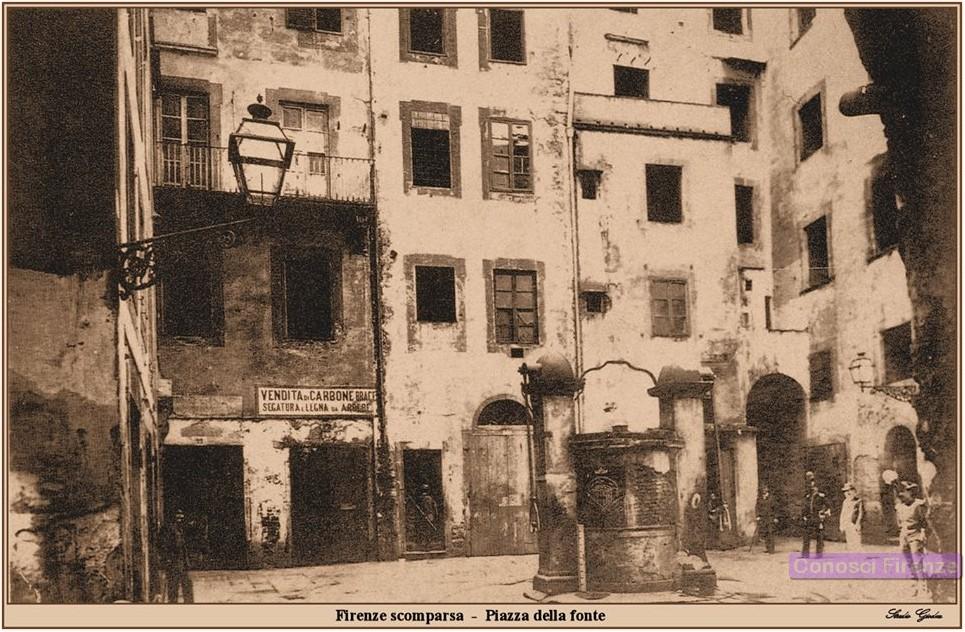 Piazza della Fonte nell'Antico Ghetto