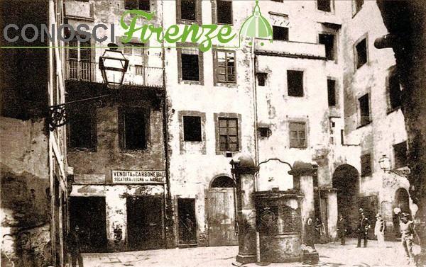 Una eloquentissima e realistica immagine di Piazza della Fonte, nel Ghetto