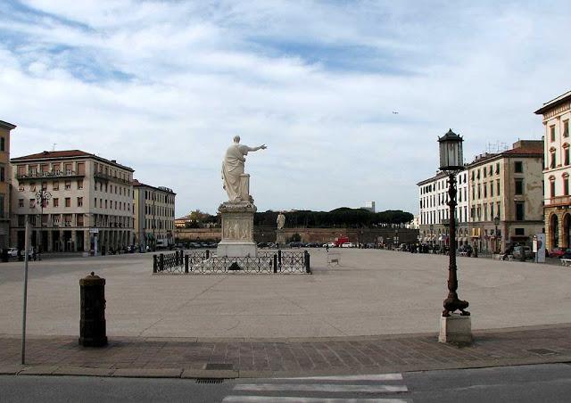 Piazza della Repubblica oggi