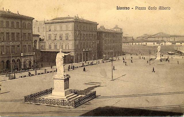 Piazza della Repubblica ieri