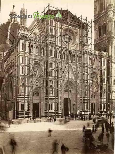 Duomo con impalcature deopo il 1887