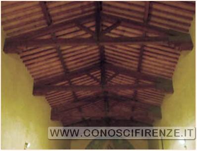 Santa Maria Croce al tempio Il soffitto con un bellissimo tetto a capriate