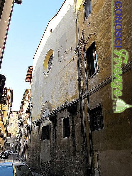 Chisa di San Jacopo fra i Fossi, facciata romanica