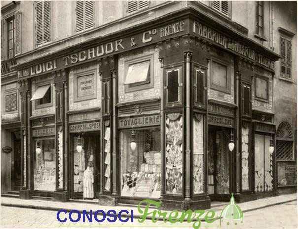 Vetrine del negozio Fabbrica Lombarda Telerie Luigi Tschuor, via dei Calzaiuoli, 1910-1920