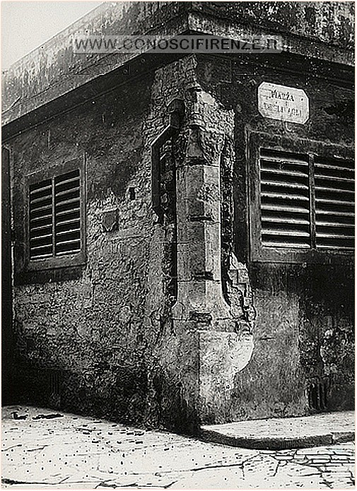 agli Resti della Loggia degli Agli in via de' Vecchietti, Firenze