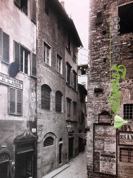 Via Dante e la Torre della Castagna
