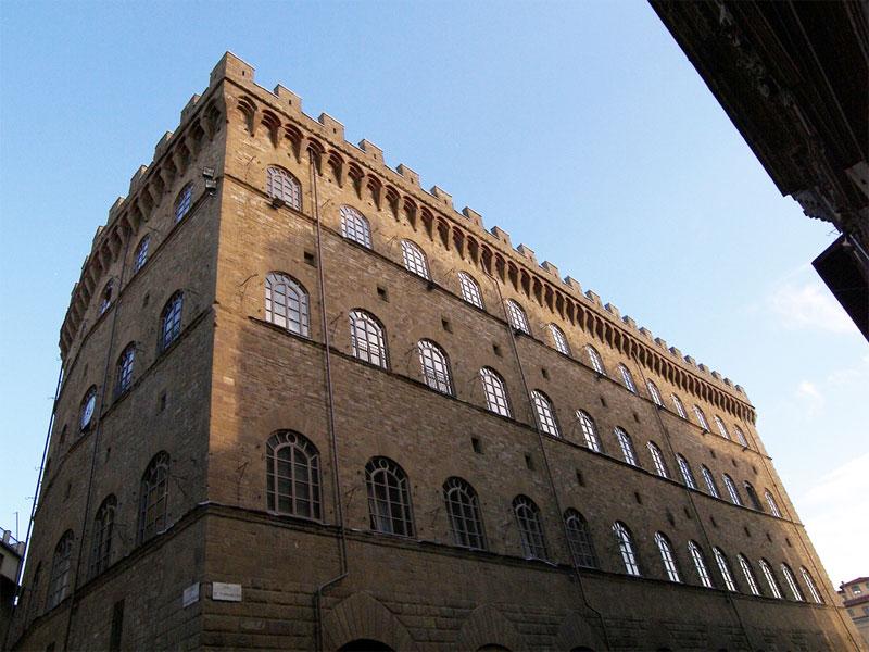 Un Palazzo e la città: Visita al Museo Salvatore Ferragamo.
